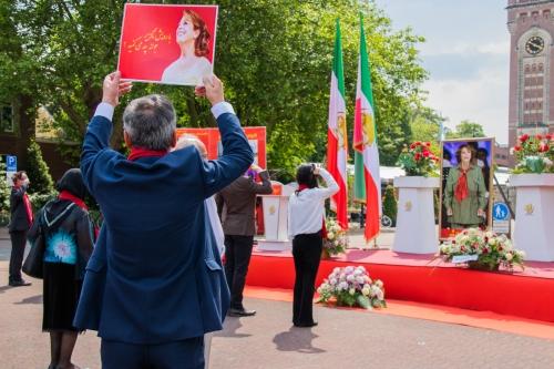 Astrid_L_2020 06 12 foto 2 herdenkingsbijeenkomst overleden Iraanse zangeres-2